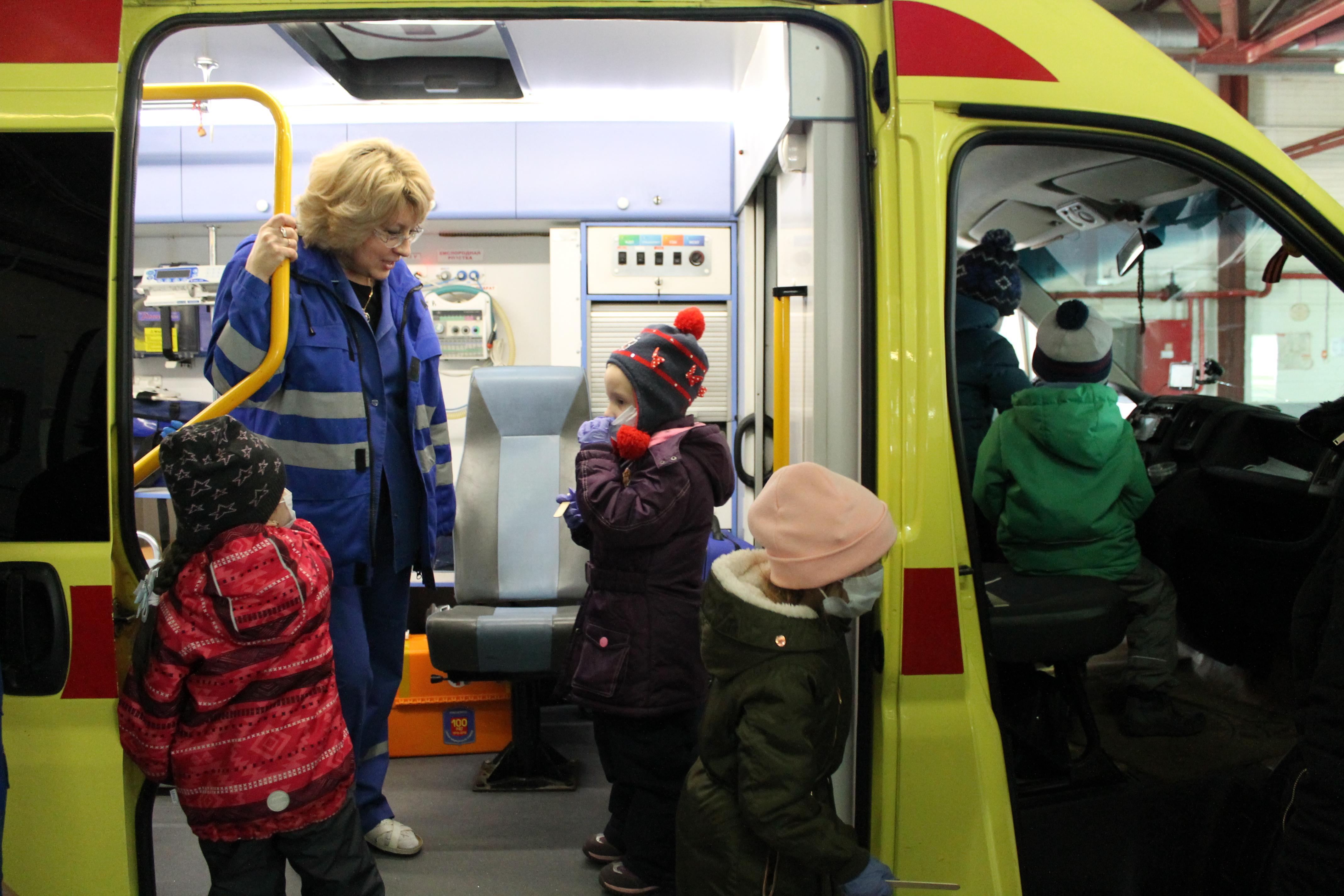 Детский сад в гостях у скорой (2)